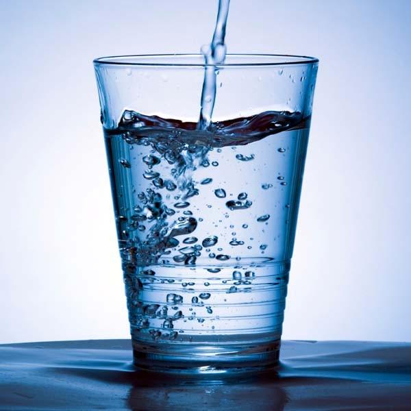 Wasserglas_mit_Natron